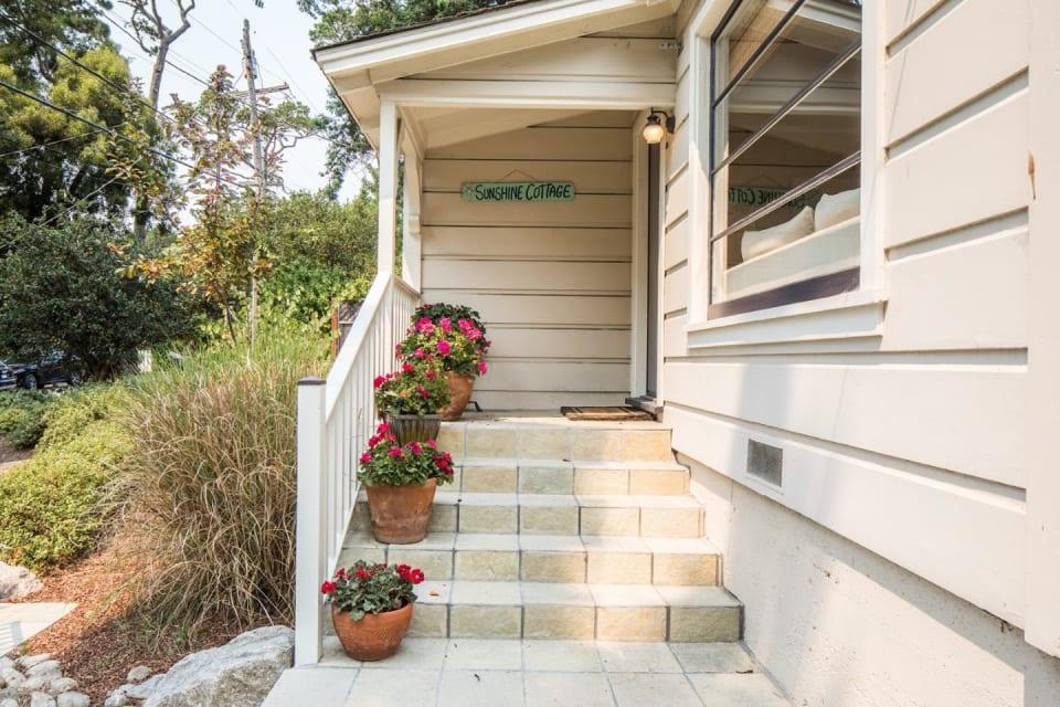 Sunshine Cottage preview