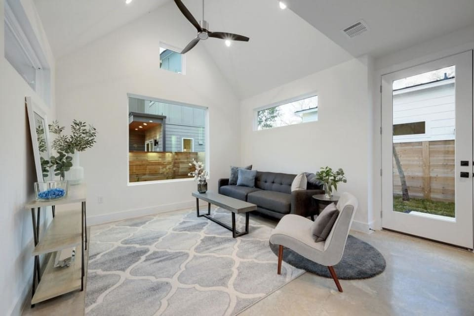 5006 Lott Ave #2 preview