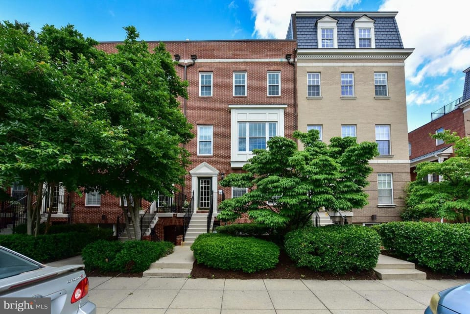 2411-1/2 20th St NW, #1008 preview