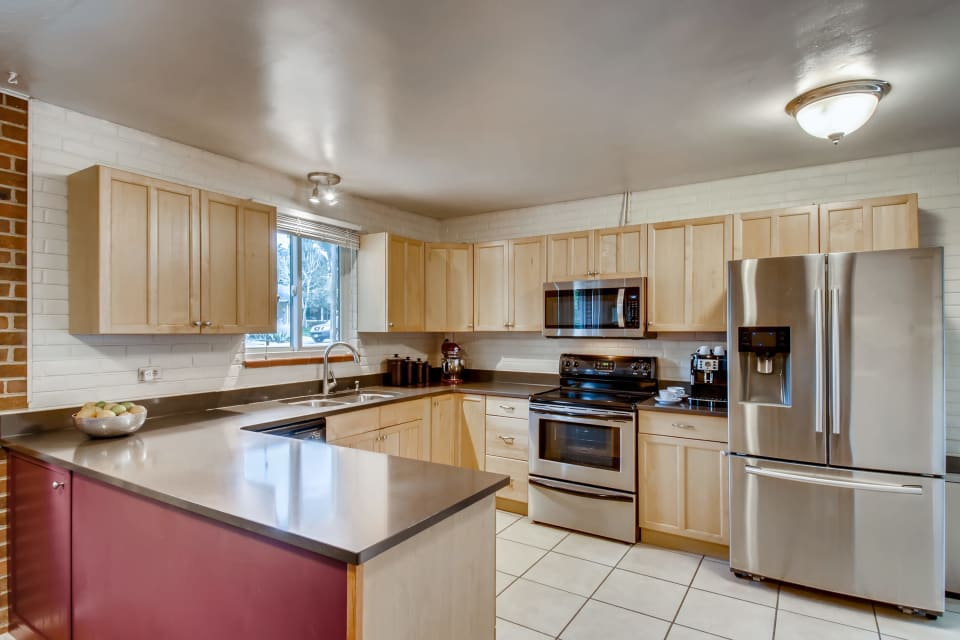 3905 Carr Street preview