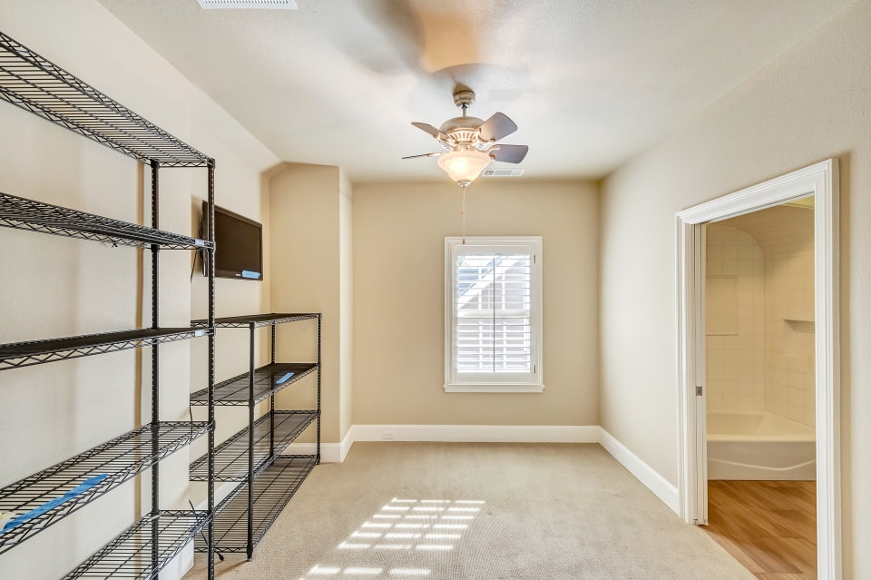 1816 Western Ave preview