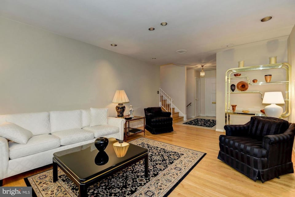 10311 Dickens Avenue preview