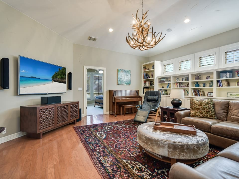 2201 Woodmont Ave preview