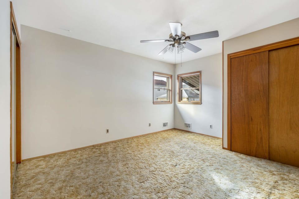 210 Collfield Ave preview