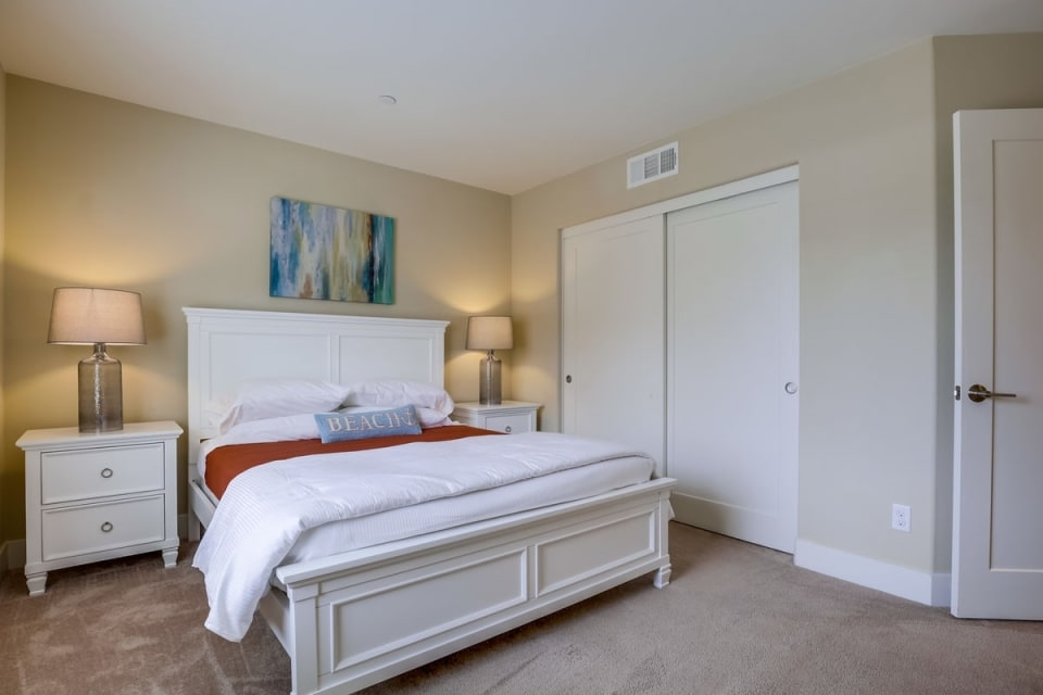2408 Torrey Pines Rd #136 preview