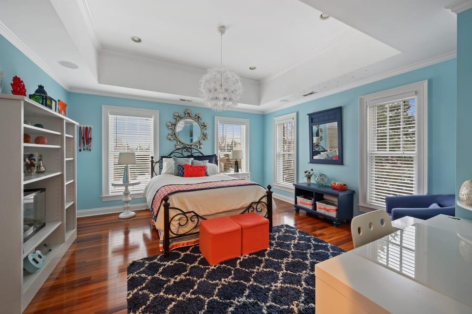 2668 Independence Avenue preview