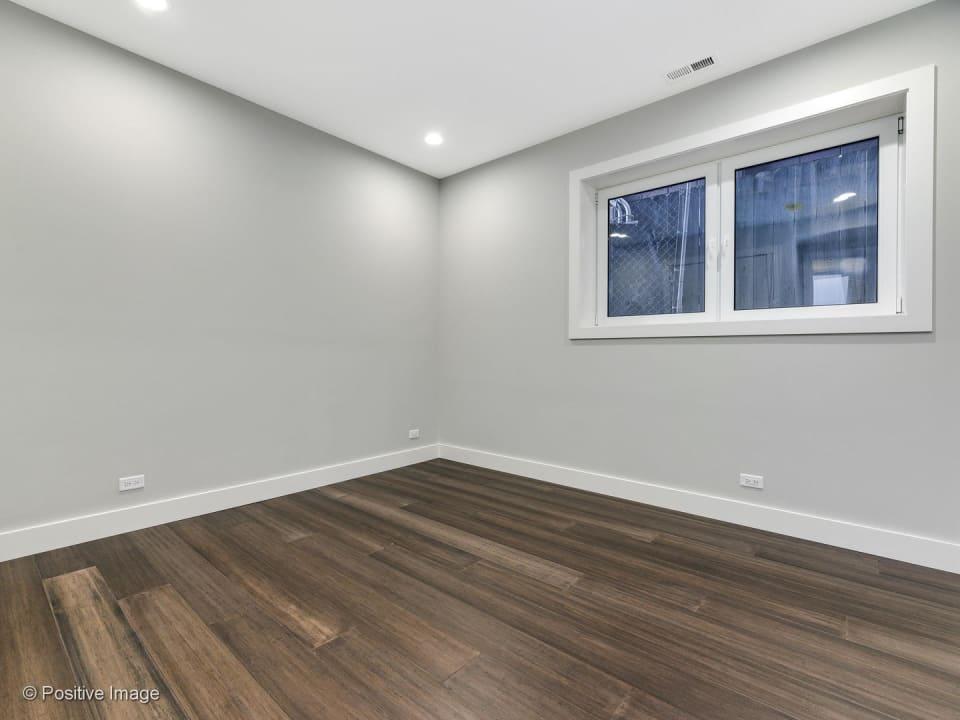 1425 W Walton Street, Unit 2 preview