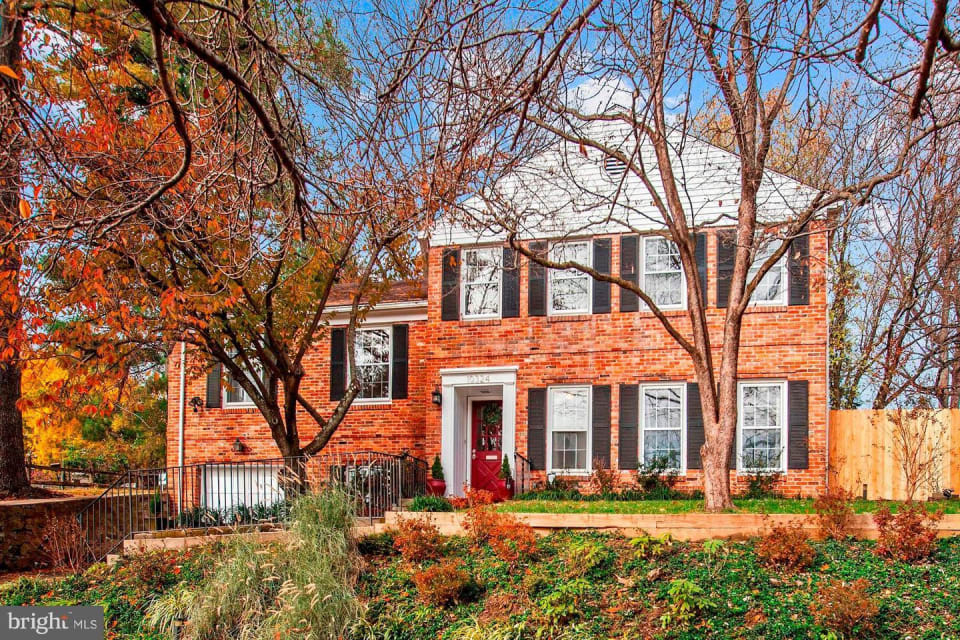 10324 Dickens Avenue preview