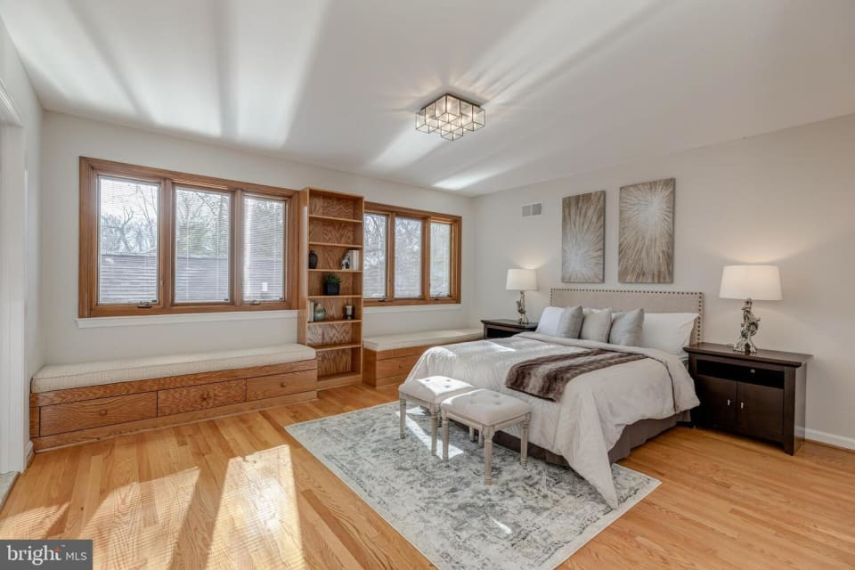 5300 Locust Ave preview