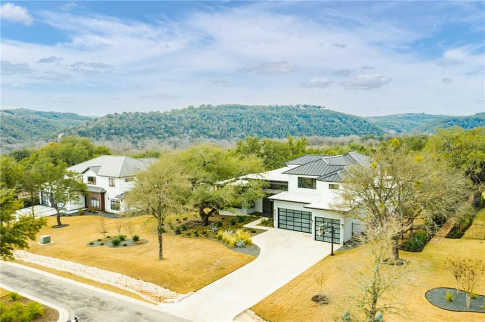 832 Cypress Grove preview