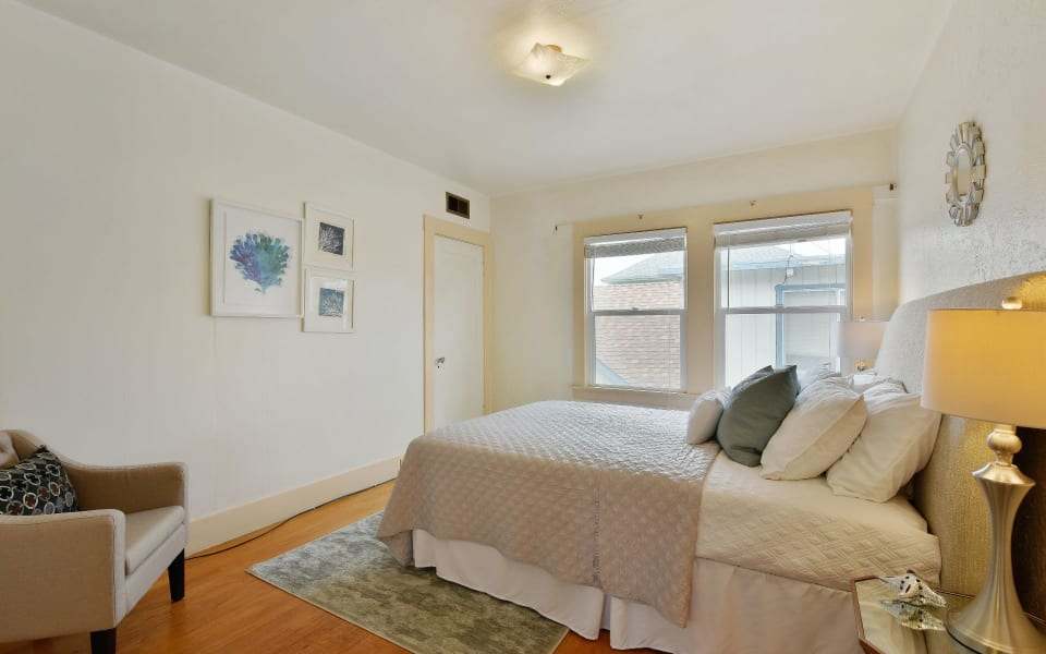 566 Montclair Ave preview