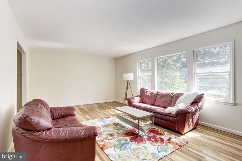 10302 Rossmore Court preview