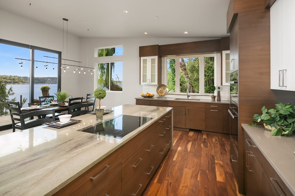 Modern Luxury Waterfront preview
