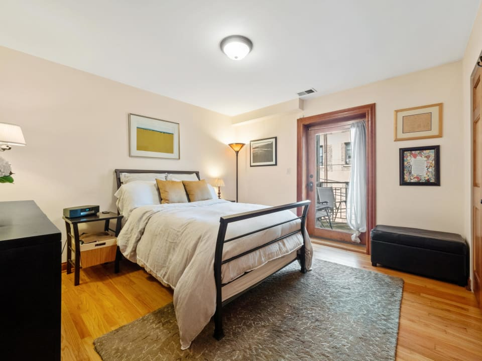 512 W Barry Ave, #312 preview