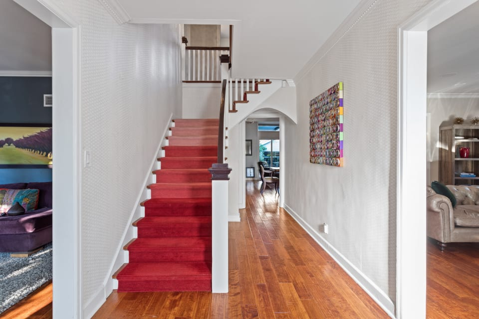 332 N Ridgewood Pl preview