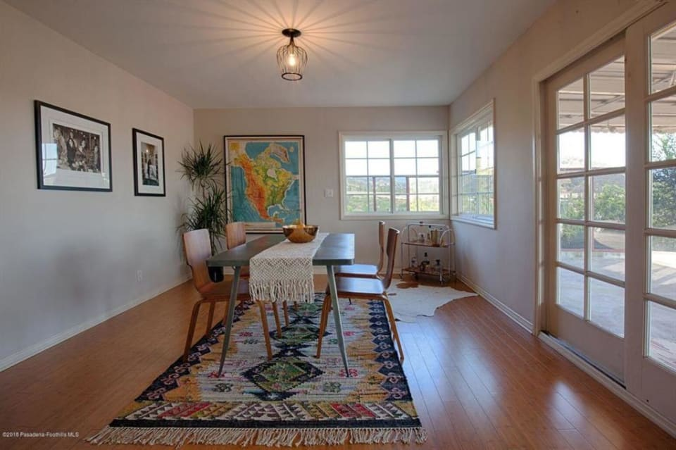 677 Corwin Ave preview