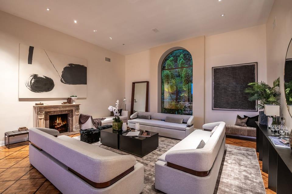 Romantic Hilltop Villa with Views
