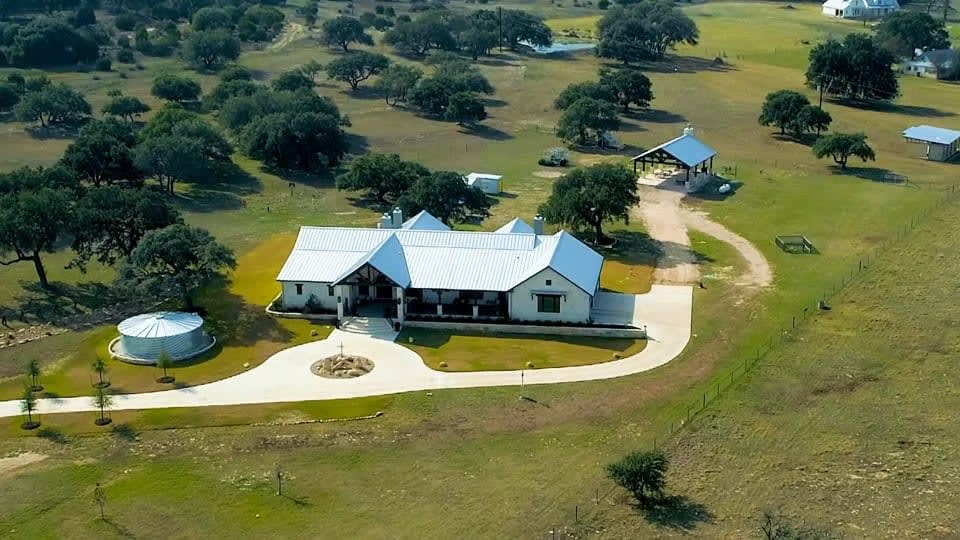 Sold!!  3131 Gatlin Creek ~ Dripping Springs, TX video preview