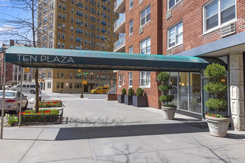 10 Plaza St E, #14H photo
