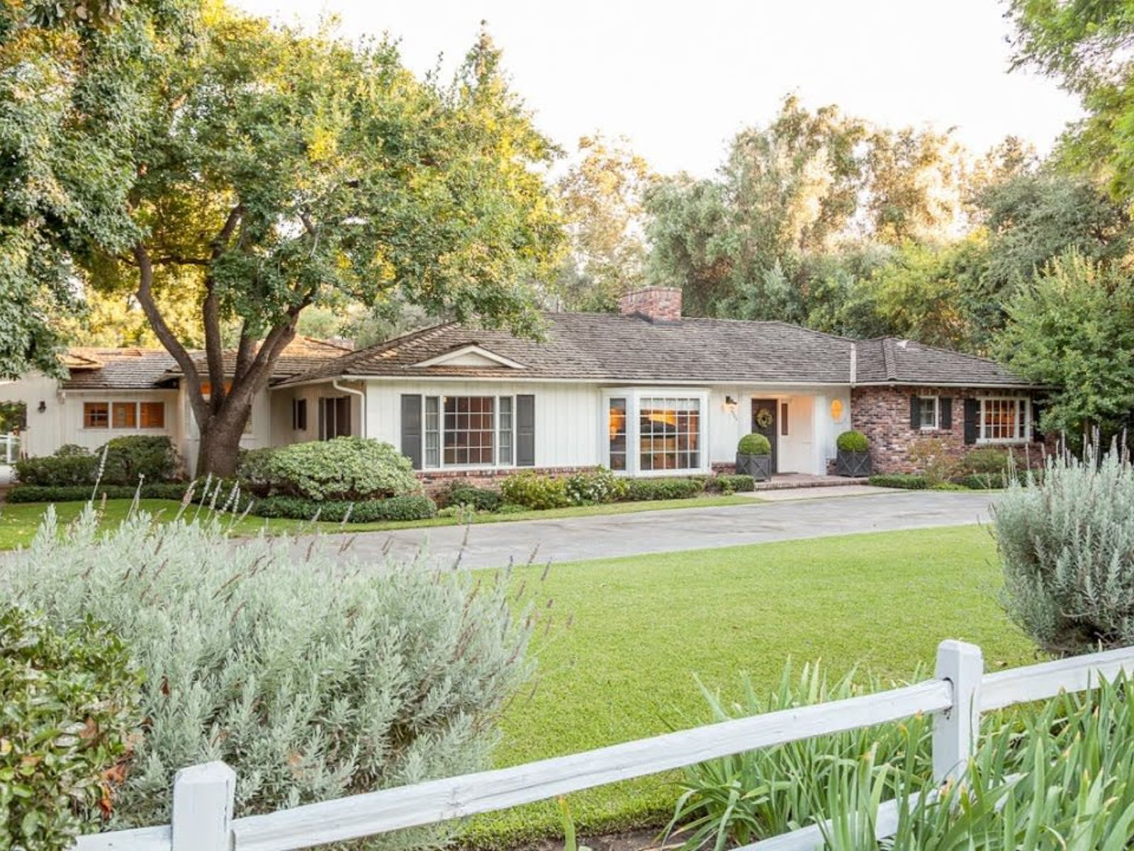 3544 Lombardy Road, Pasadena CA video preview