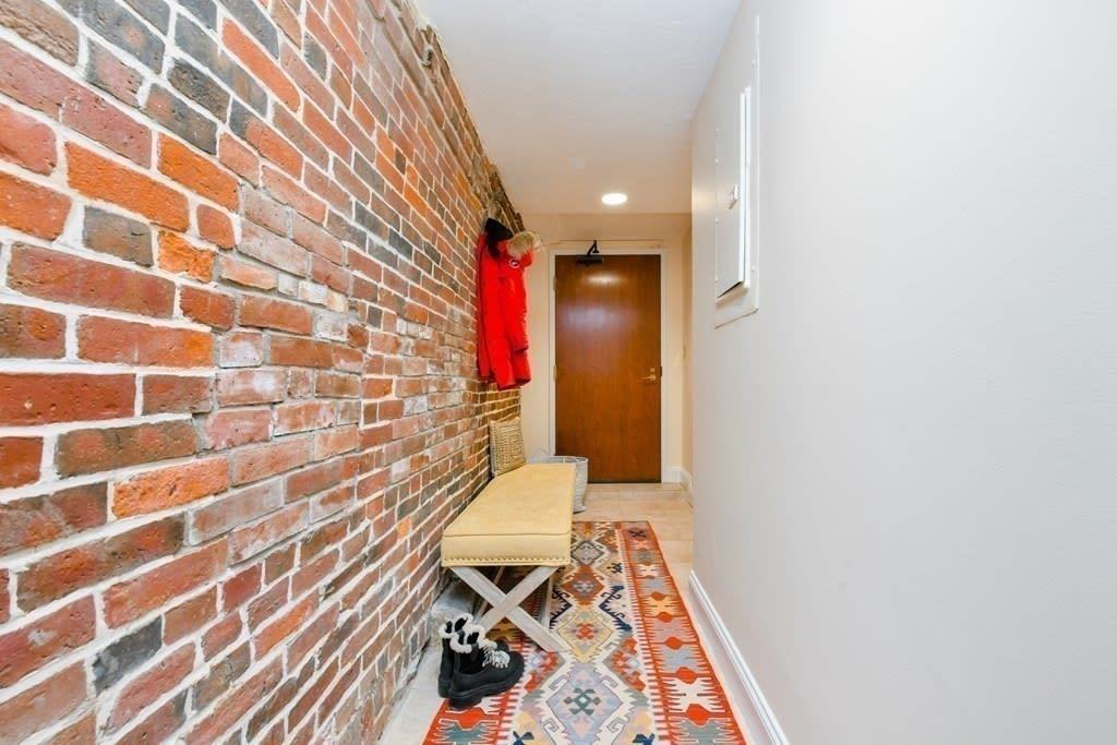 Buyer Rep: 100 Fulton Street, Unit 1D, Boston photo