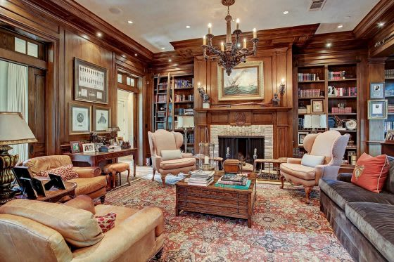 Inside a Classically Elegant Home in Houston