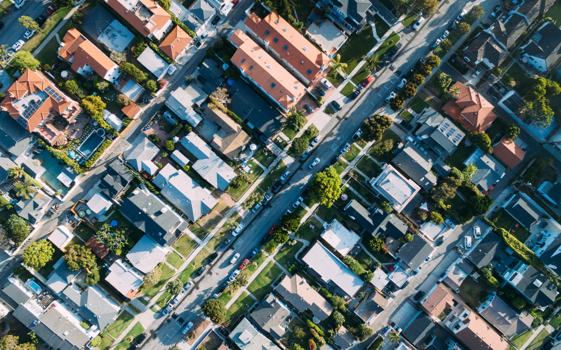 Single Family Home or Condo? Which Property Type is Right for You?