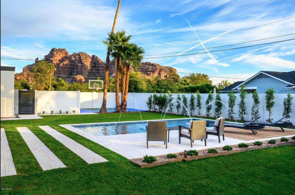5816 N 44th St,  Phoenix, AZ 85018