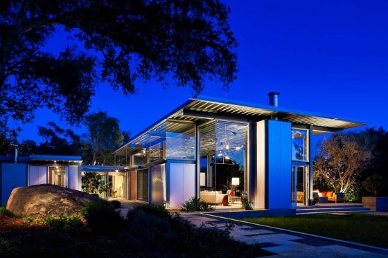 Seamless Style: 5 Homes with Enviable Indoor-Outdoor Spaces