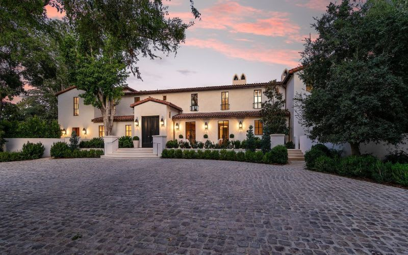 Los angeles buyers in perfect spot to get a deal on a trophy home