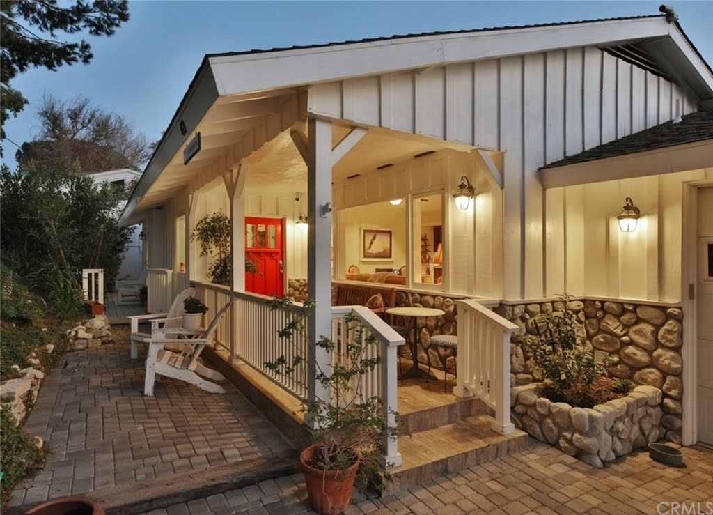 63 Buckskin Ln - Horse Property