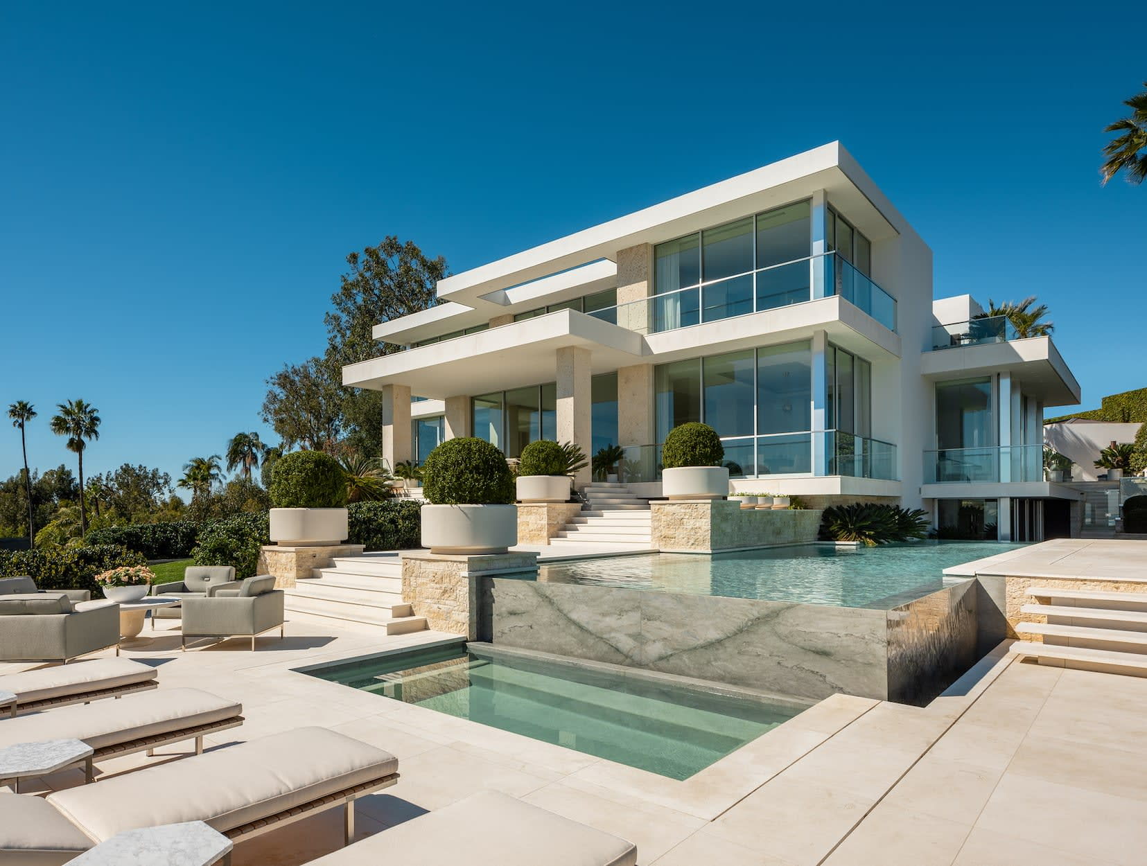 "Trend Report: What's ""In"" in Luxury Real Estate"