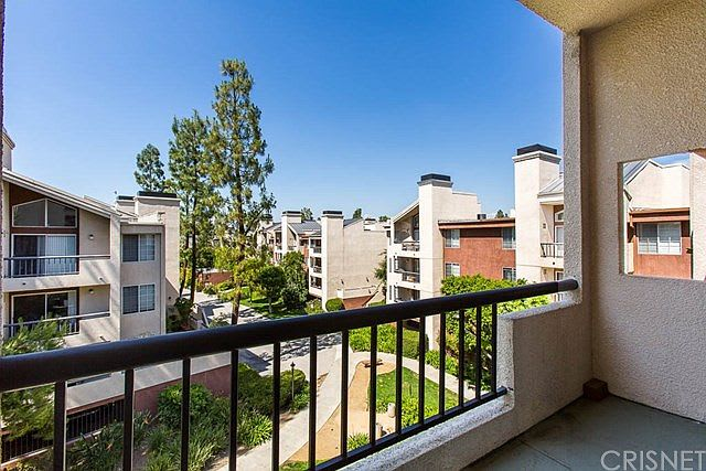 5520 OWENSMOUTH Avenue #311 preview