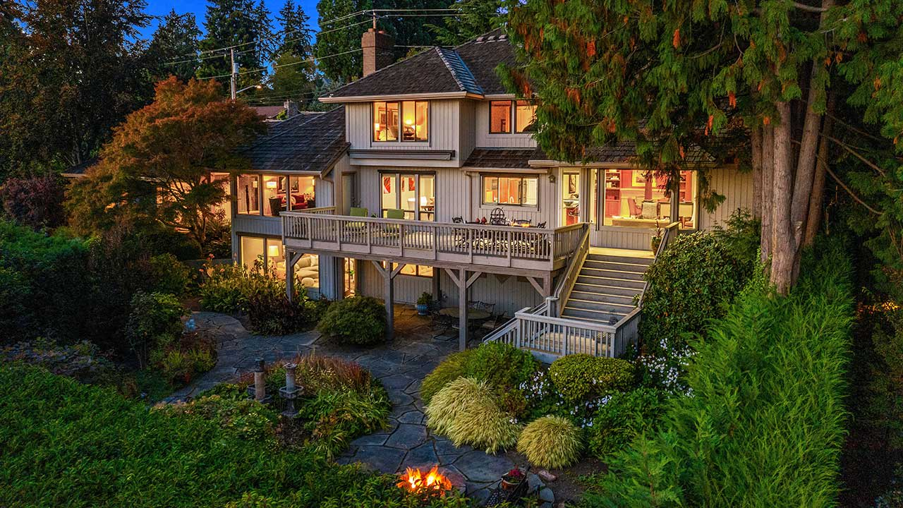 Discover Northwest Contemporary Style & Lake Views in Meydenbauer video preview