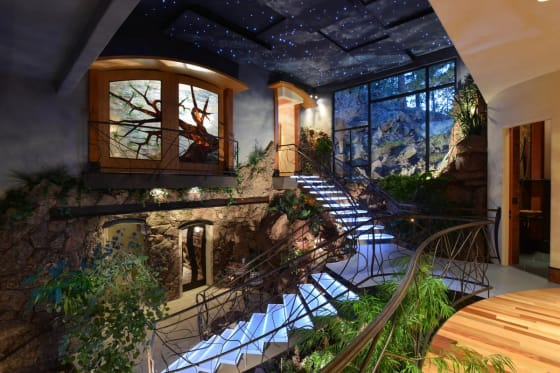 Wide Open Spaces | 5 Homes With Impressive Atriums