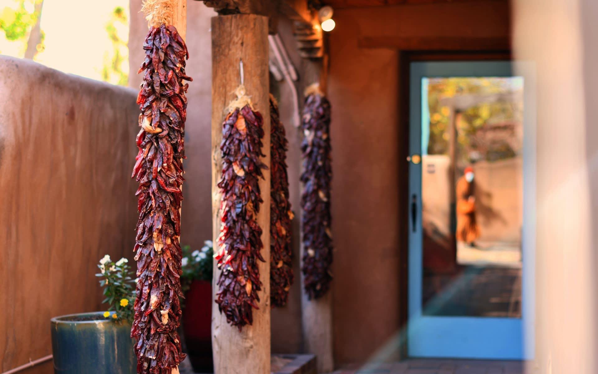 Santa Fe Style – Chile Ristras