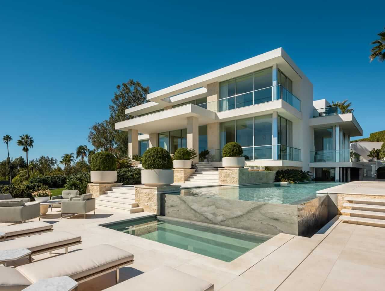 """Trend Report: What's """"In"""" in Luxury Real Estate"""