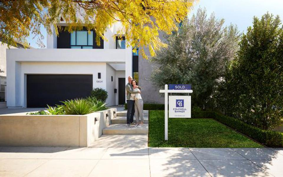 Real Estate Agents Are In High Demand – Learn What It Takes To Be Successful In Today's Housing Market From Two Super...