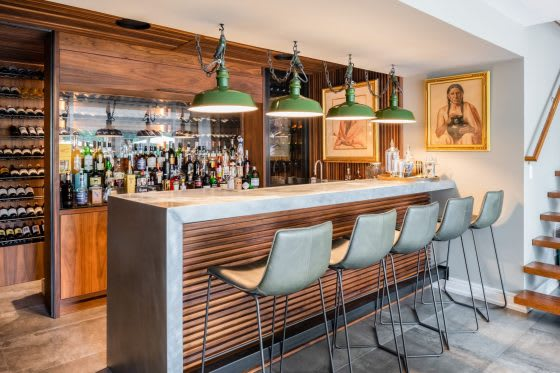 Sipping in Style: 5 Well-Equipped Home Cocktail Bars
