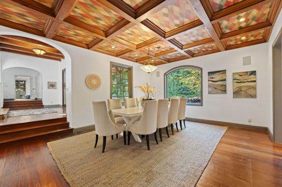 Reaching New Heights | 5 Homes with Vaulted Ceilings