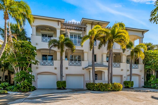 747-2 South Harbor Drive