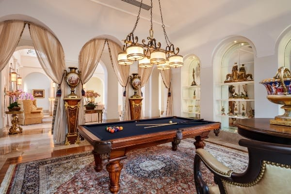 Así de lujosa es la mansión más costosa de Miami. Pertenece a un cubano que pide $55 millones