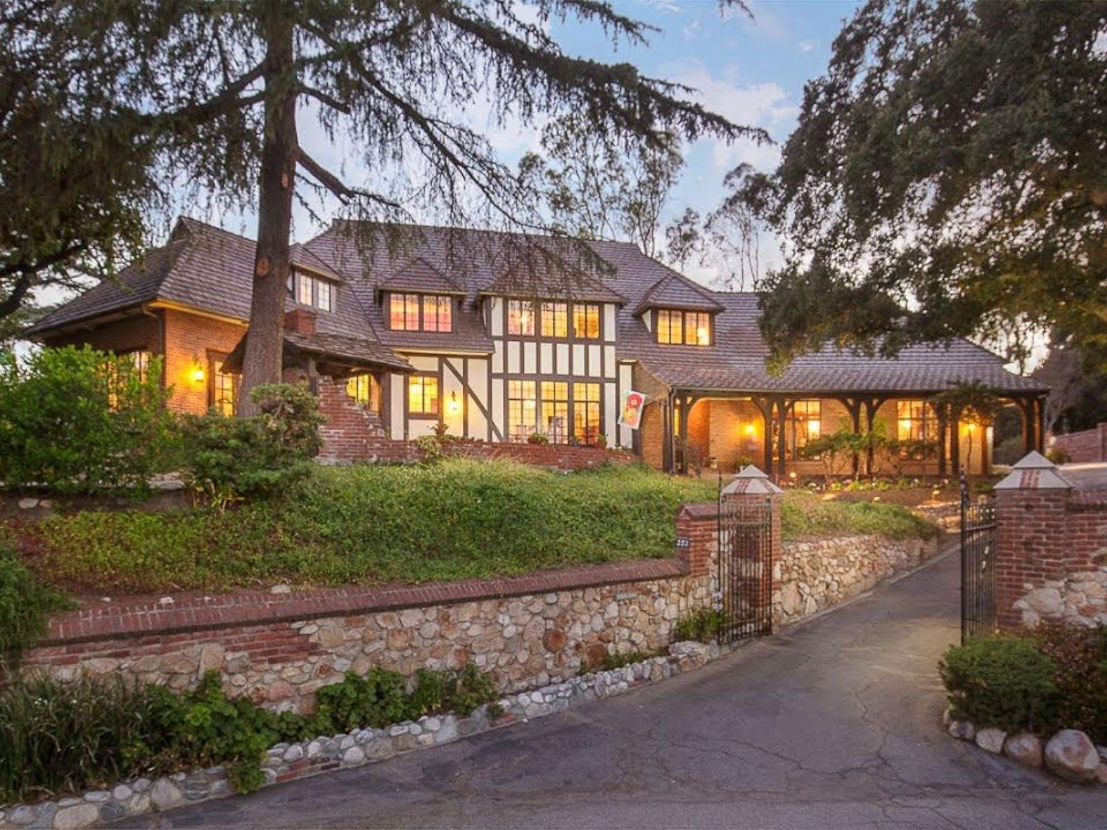 Architecturally significant Tudor Estate in Pasadena, California video preview