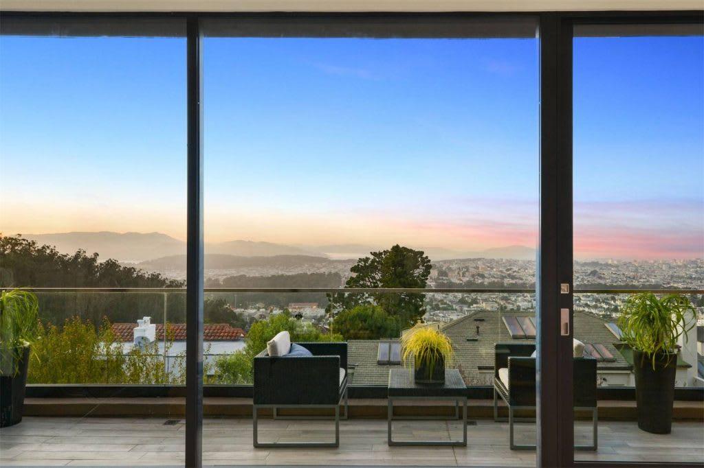 Inside a Panoramic Wonder in San Francisco, California