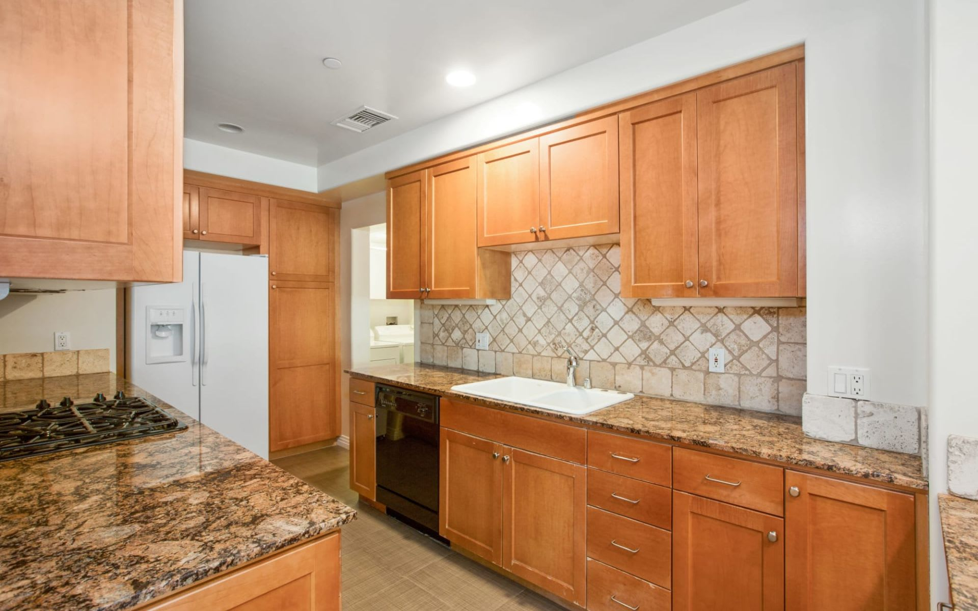 Luxury Condo Located in Fabulous Play House District in Pasadena photo