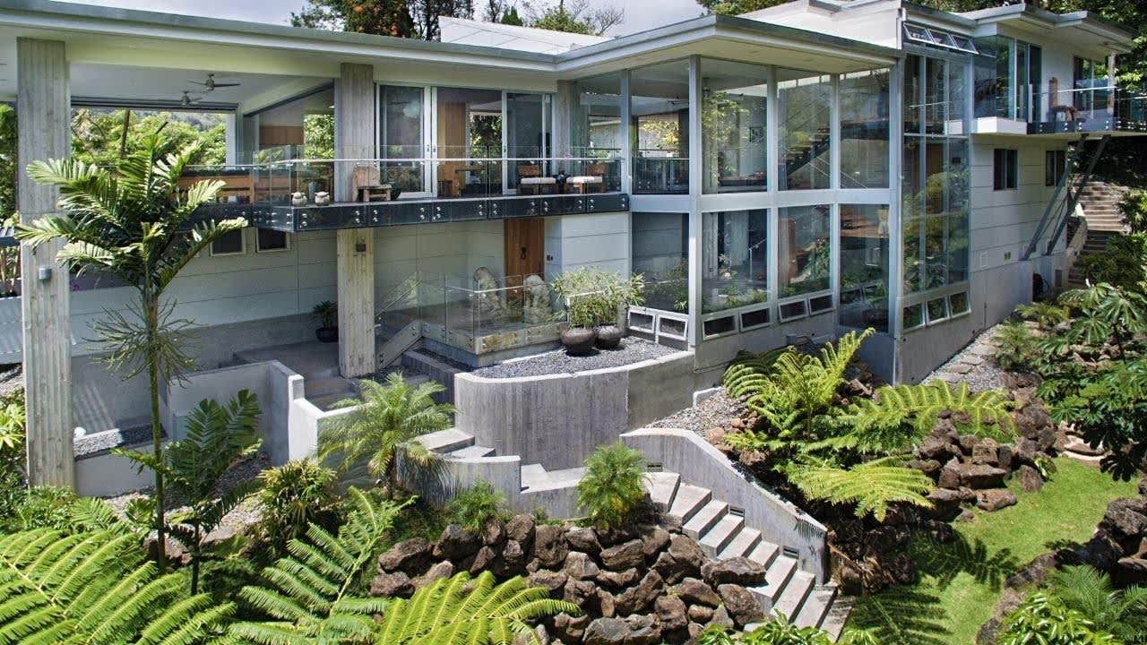3169 Kaohinani Drive, Honolulu, Hawaii 96817 video preview
