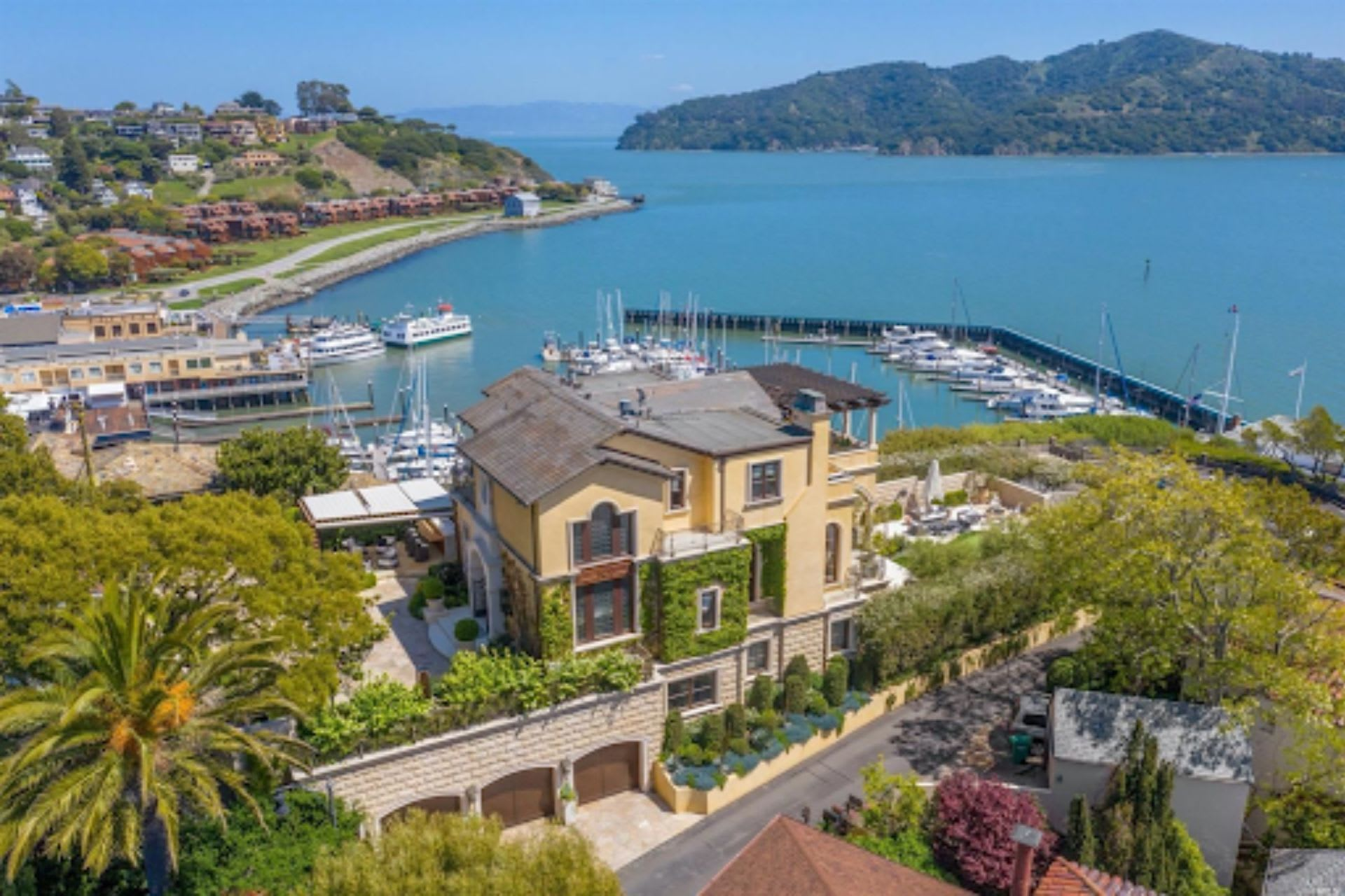7 Ways to Enjoy the Water When Living in Belvedere