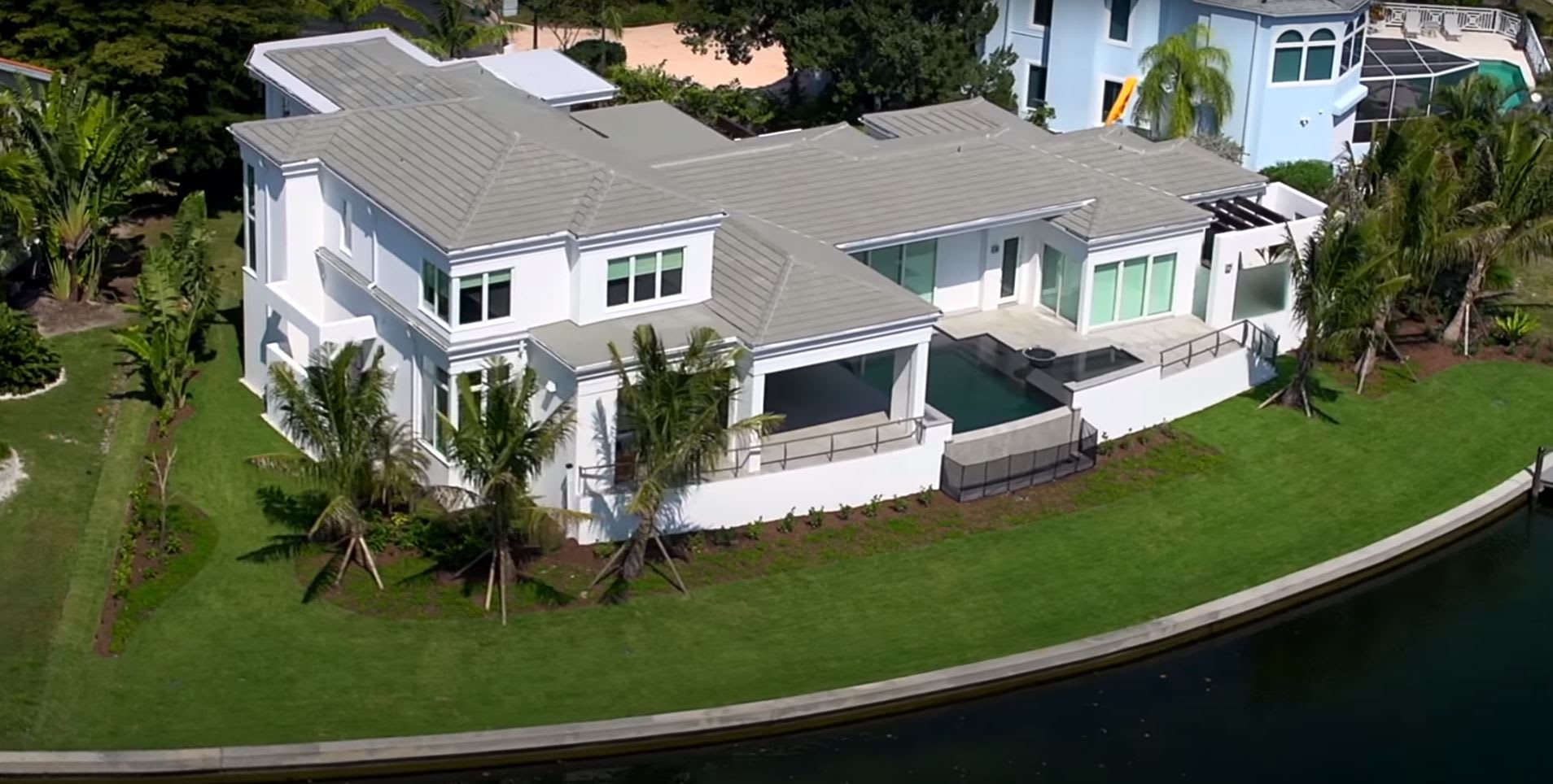530 Harbor Gate Way - Longboat Key, FL, 34228 - Aerial Video - Home For Sale, By Roger Pettingell video preview