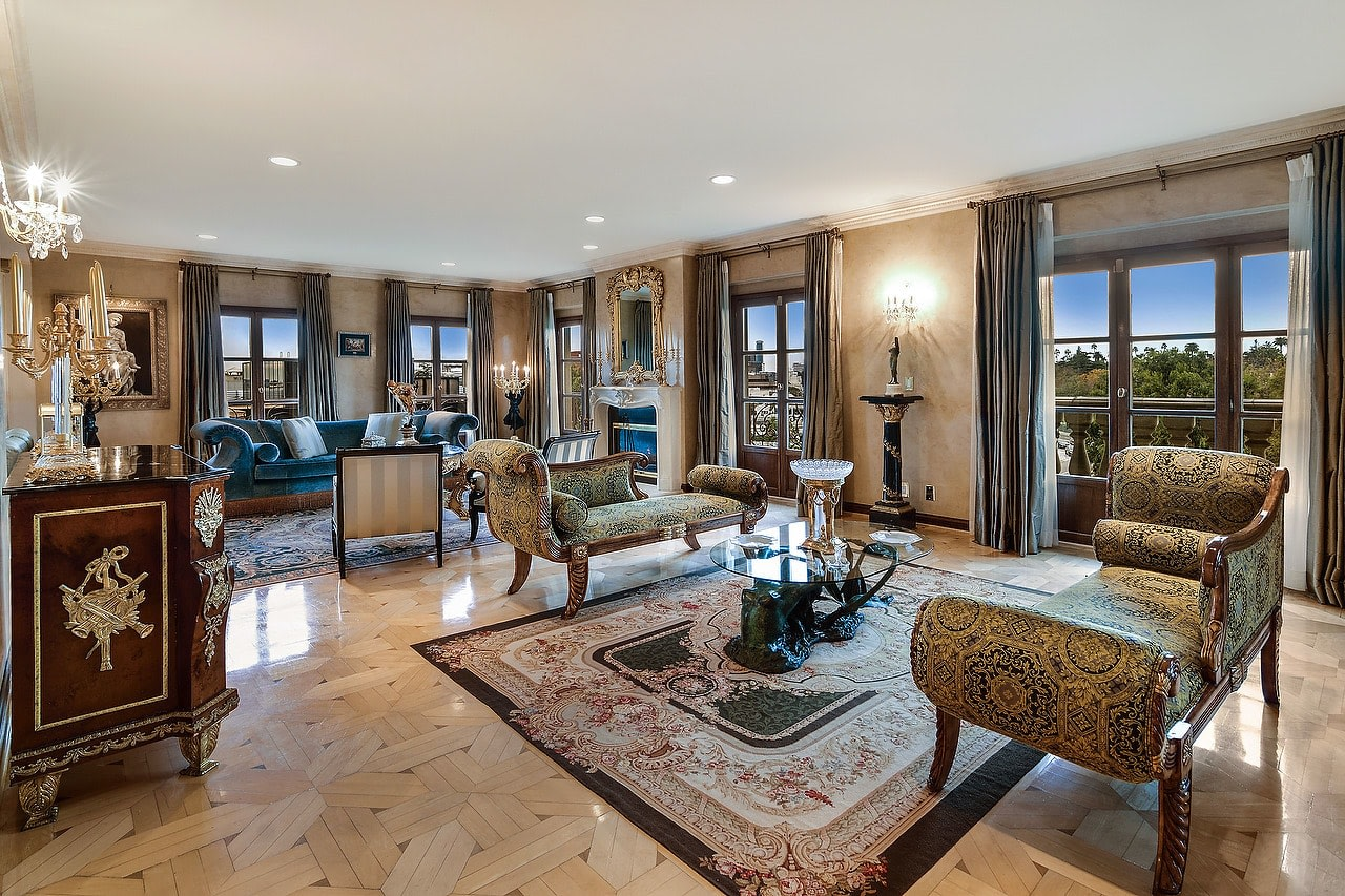 Extraordinary Penthouse in Le Faubourg