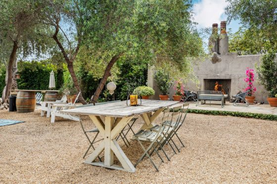 Feasting Alfresco: Six Stylish Outdoor Dining Areas